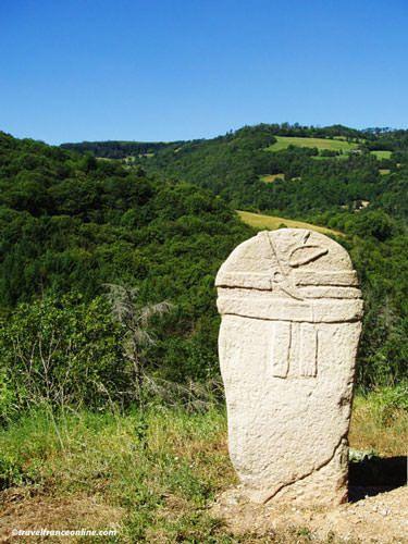 Statues-Menhirs - Aveyron - Pousthomy