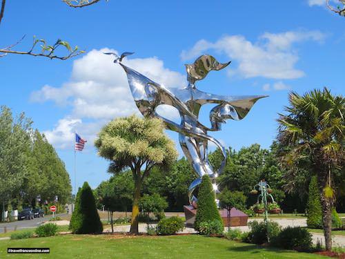 World Peace Statue releasing the Dove - Grandcamp-Maisyof Peace