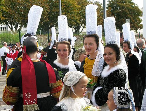 Breton iconic images - Traditional Bigoudène headdress