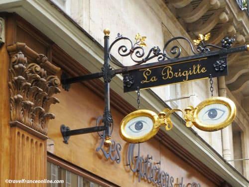 Shop signs in Paris - Optician