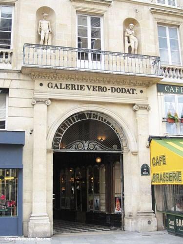 Galerie Vero Dodat - Entrance on Rue du Bouloi