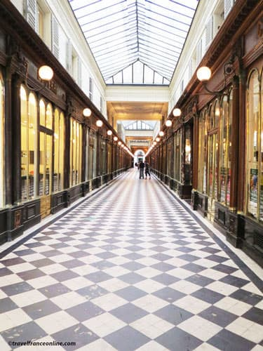 Galerie Vero Dodat in Paris