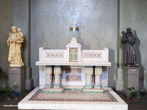 Saint Jean de Montmartre Church - small altar