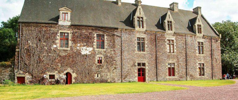 Chateau de Comper – Fairy Vivian's Castle