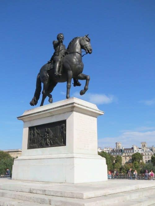 Equestrian statue of Henri IV on Pont-Neuf