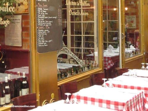 Paris 11th district - Cafe terrace