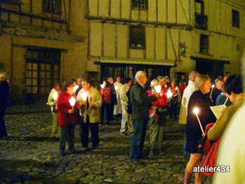 Crowd in the parvis on Sainte Foy Feast Day in Conques