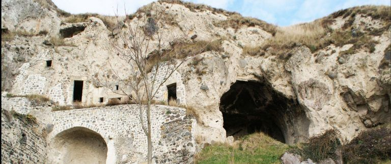 Monton troglodyte dwellings in Puy-de-Dome