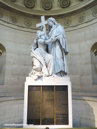 Chapelle Expiatoire - Statue of Marie-Antoinette