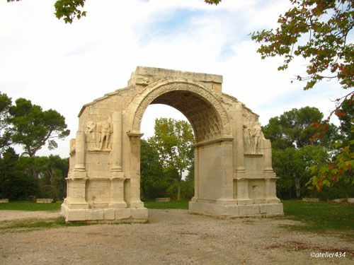 Entry arch to the city of Glanum