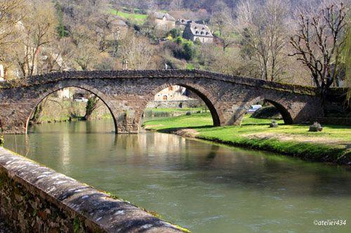 Medieval bridge in Belcastel