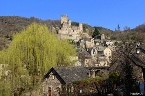 Chateau and village of Belcastel in Aveyron