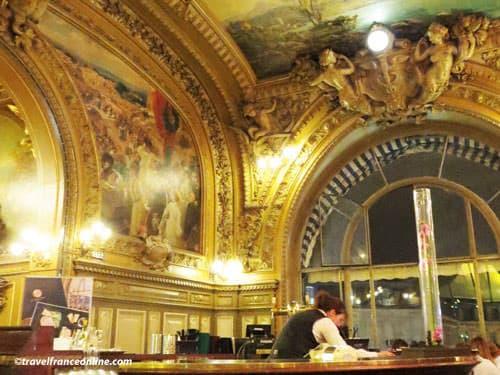 Le Train Bleu restaurant in Gare de Lyon - Bar in main dining room
