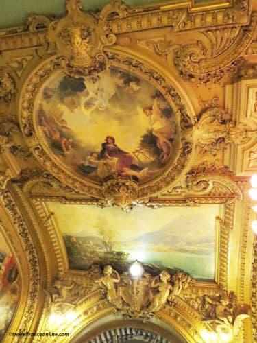Le Train Bleu restaurant in Gare de Lyon - Painted ceilings