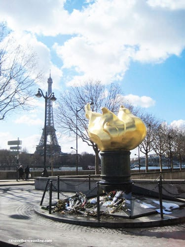 Princess Diana Memorial with Eiffel Tower in the background - Princess Diana Memorial with Eiffel Tower in the background