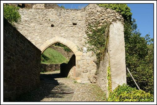 Porte Brugelet in Auzon