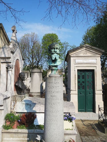 Cimetiere de Passy - Edouard Manet's grave
