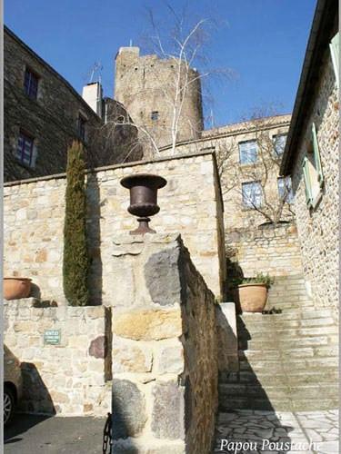 Village and donjon of Montpeyroux