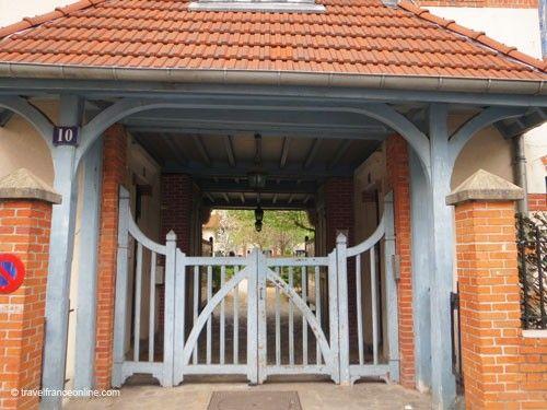La Petite Alsace entrance porch