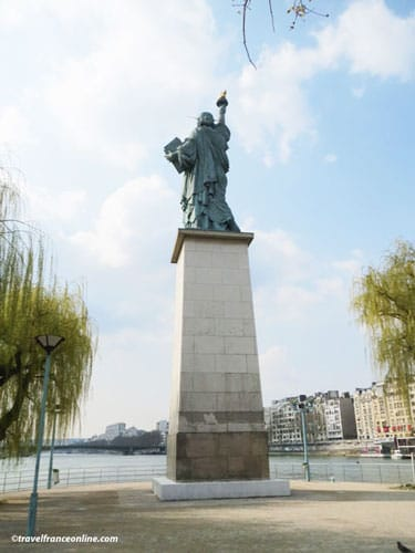 Statue Of Liberty Replica On The Ile Aux Cygnes In Paris