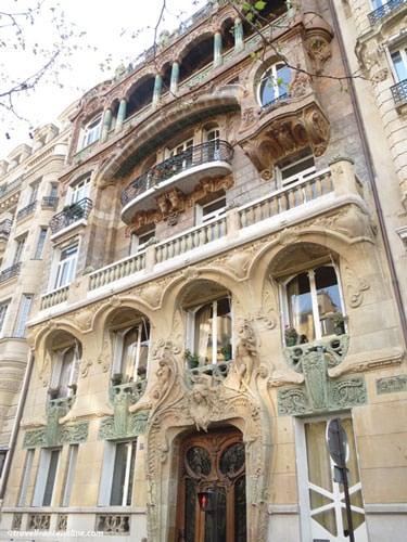 29 Avenue Rapp - Art Nouveau facade