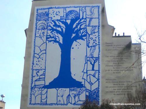 Arbre Bleu - street art - in Paris