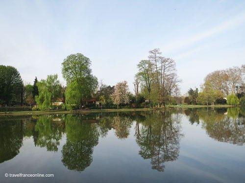 Swiss chalet on Ile de Reuilly in Bois de Vincennes
