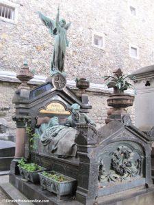 Montparnasse Cemetery - Charles Pigeon Family's listed grave