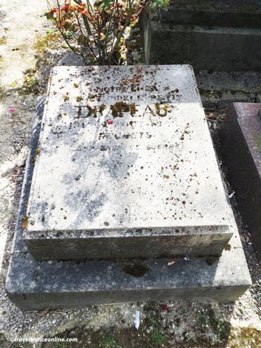 Cimetiere des Chiens - Drapeau's grave
