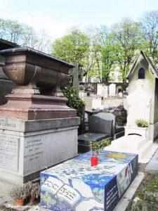 Montmartre Cemetery - mosaic grave
