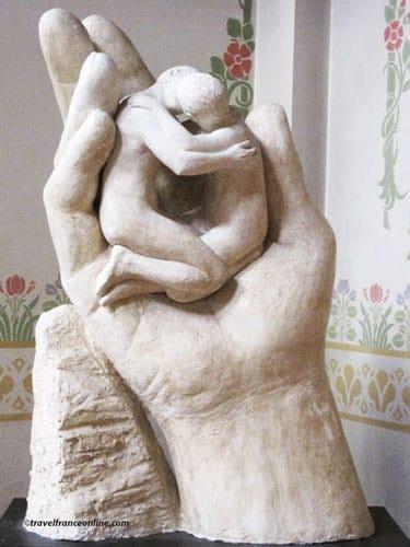 Notre-Dame-du-Travail Church - La Main Creatrice sculpture