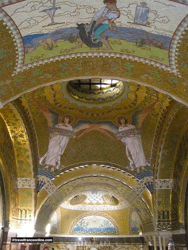 Pasteur Museum - crypt Art Nouveau mosaic ceiling