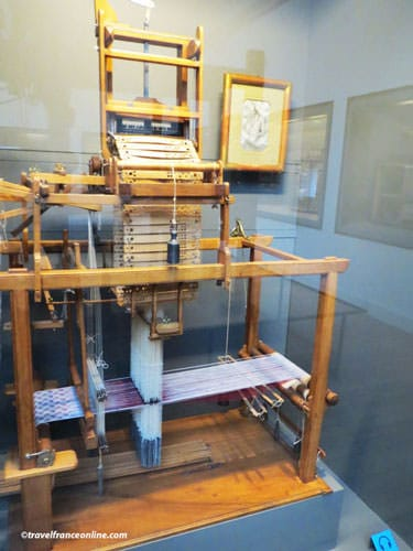 Arts et Metiers Museum - Loom with Jacquart mechanism