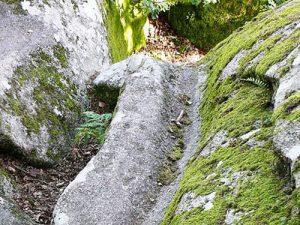 Pierre aux Neuf Gradins - Gutter or drain