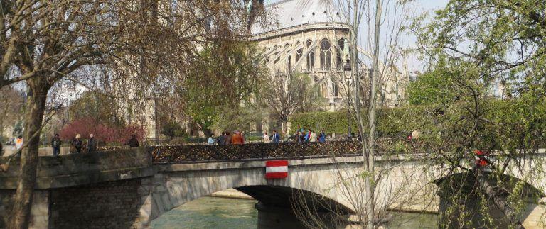 Pont de l'Archeveche – Paris bridge – Facts