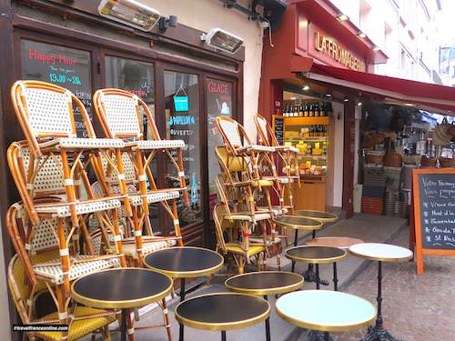A cafe and a fromagerie in Rue Mouffetard