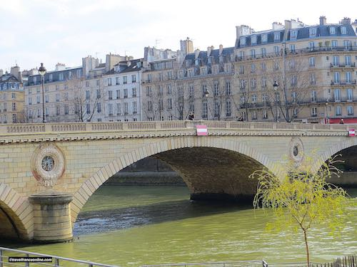 Pont Louis-Philippe with Ile Saint-Louis in the background
