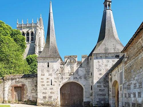 Abbaye du Bec-Hellouin - Main entrance