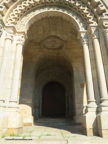 Eglise Saint Malo d'Ivignac la Tour - porch
