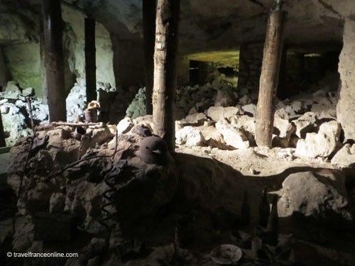 Inside the Caverne du Dragon