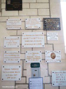 Cerny-en-Laonnoais - Memorial plates in Chapel