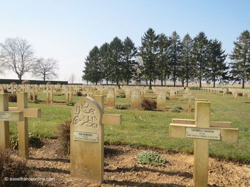 Cerny-en-Laonnois French War Cemetery - Muslim and Christian graves