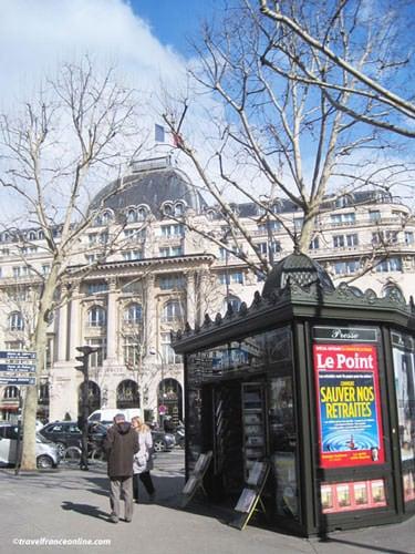 Newspaper Kiosks - Place Saint-Augustin