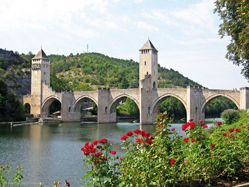 traveling to quercy from the uk -Cahors - Pont Valentré