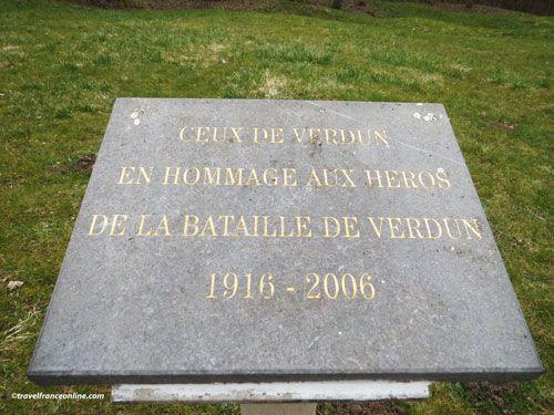 Douaumont, Village Detruit - Village memorial stele