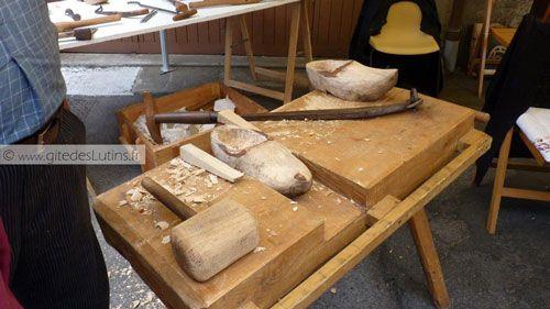 Fete des Paniers de Montsalvy 0- The Clog-maker stall