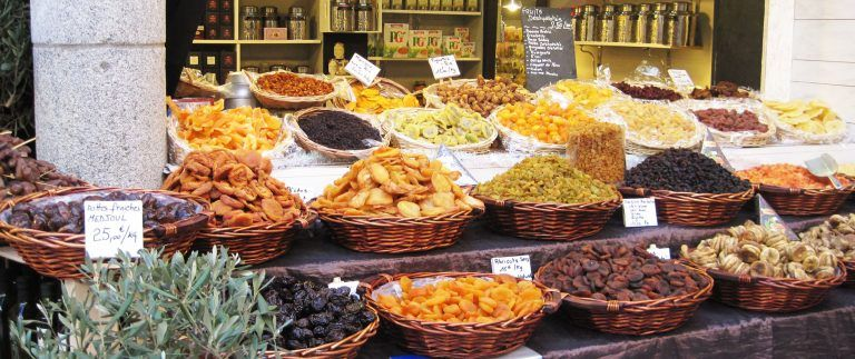 French food markets – colourful and lively