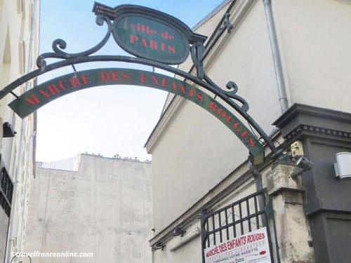 Marché des Enfants Rouges - Entrance on rue de Bretagne