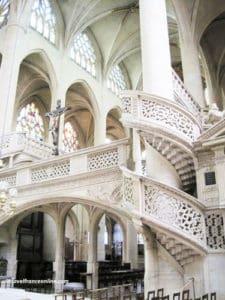25-Paris-churches-you-will-enjoy-visiting - St. Etienne du Mont Church