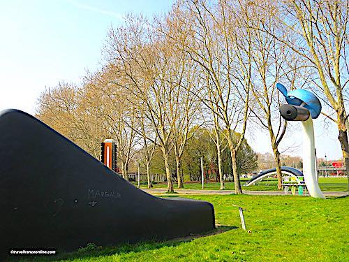 Buried Bicycle - Bicyclette Ensevelie saddle, handlebar and pedal - in Parc de La Villette - Paris